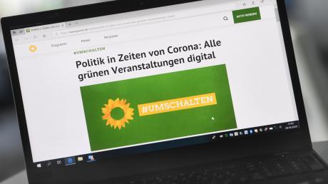 Umschalten auf digital: Die Grünen treffen sich am Samstag erstmals zu einem virtuellen Parteitag, der auch Beschlüsse fassen soll.
