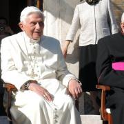 Georg Ratzinger besuchte seinen Bruder Joseph, den emeritierten Papst Benedikt XVI, regelmäßig in Rom.