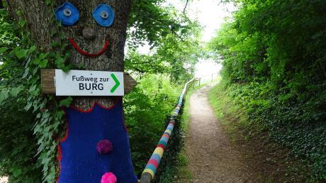 Zwischen Harburgs Altstadt und der Burg verläuft der Harburger Märchenweg. Er bietet hinter jeder Biegung eine neue Überraschung.