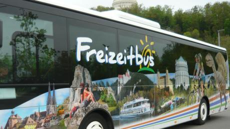 Zahlreiche Tourmöglichkeiten ermöglicht der Freizeitbus im Donau- und Altmühltal zwischen Dollnstein und Regensburg Wanderern oder Radfahrern.