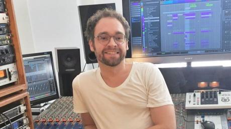 Daniel Elias Brenner im Tonstudio, wo er seit 2011 als Filmkomponist arbeitet.