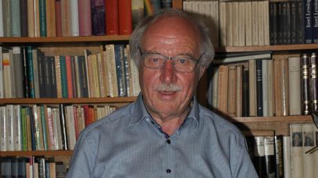 """Der Oberrother Ludwig Rendle hat mit dem Buch """"Max Josef Metzger: Gerechter Friede statt gerechter Krieg"""" seine Doktorarbeit geschrieben. Es wird von September an vom Grünewald-Verlag herausgegeben."""