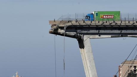 Am 14. August 2018 stürzte die Morandi-Brücke in Genua, die auch über ein Wohngebiet führte, ein. Was von ihr übrig blieb, wurde gesprengt.