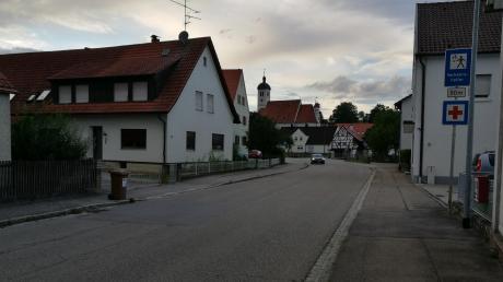 Hier gibt es bald kein Durchkommen mehr: Die Ortsdurchfahrt in Haunsheim wird saniert. Anwohner müssen sich auf Behinderungen einstellen.