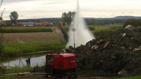 Kontrollierte Sprengung vor Ort: War der Transport von Kampfmitteln zu gefährlich, musste direkt an der Wörnitz entschärft werden.