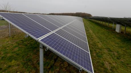 In Sand sind südlich der Straße in Richtung Langweid zwei Photovoltaikanlagen auf freier Fläche geplant.