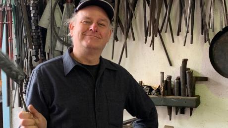 Schlosser mit langer Vorgeschichte: Paul Reichstein in seiner Werkstatt in Amerdingen.