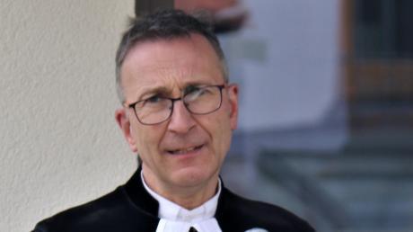 Pfarrer Hans-Martin Meuß bei der Amtseinführung in Bühl.