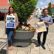 Setzen auf einen nachhaltigen Effekt: (von links) Bürgermeister Harald Reisner, Anna Schledzinski, zuständig für Presse- und Öffentlichkeitsarbeit, sowie Schrobenhausens Umwelt- und Klimaschutzbeauftragter Tobias Kern haben mit weiteren Mitstreitern eine Grüne Woche organisiert.