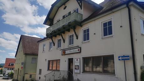 """Für den Bau neuer Wohnungen will die Marktgemeinde Dießen das Grundstück des ehemaligen Gasthofs """"Drei Rosen"""" in der Schützenstraße nutzen."""