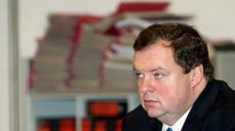 Bild zum Strauß-Prozess vom 28. Januar 2004.
