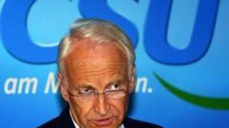 Bayerns Ministerpräsident und CSU-Vorsitzender Edmund Stoiber will in Bayern bleiben und nicht nach Berlin wechseln.