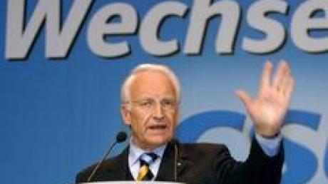 Der bayerische Ministerpräsident Stoiber will das Ausscheiden von Wirtschaftsminister Wiesheu für eine größere Kabinettsumbildung nutzen.