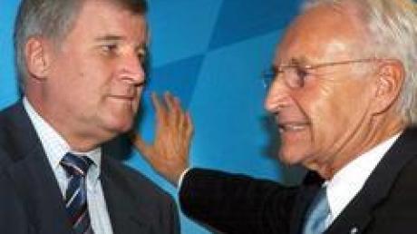 CSU-Chef Stoiber (r) im September mit dem CSU-Gesundheitsexperten Seehofer.