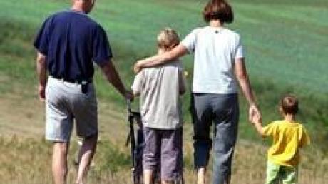 Nur in jedem vierten Haushalt leben laut Familienministerin von der Leyen noch minderjährige Kinder.