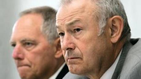 Bundesinnenminister Schäuble (r) neben Bayerns Innenminister Beckstein. (Archivbild).