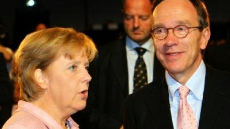 Bundeskanzlerin Merkel und VDA-Präsident Wissmann vor der Eröffnung der Internationalen Automobilausstellung in Frankfurt.
