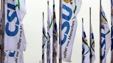 CSU-Flaggen während des Parteitags in der bayerischen Landeshauptstadt München.