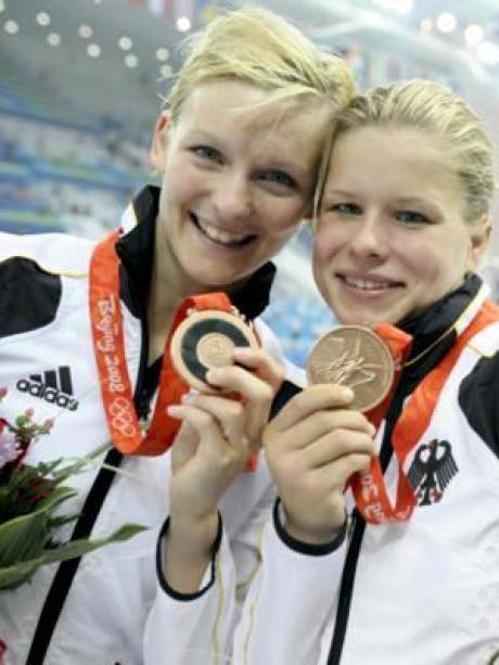 Olympia 2008 Synchron Zur Ersten Medaille Fur Das Deutsche Team Augsburger Allgemeine