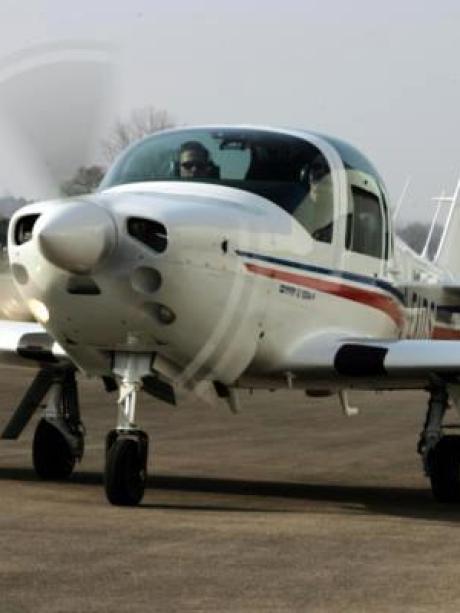 Insolvenz bei Aerospace: Schwäbischer Flugzeugbauer Grob in ...