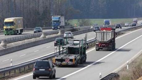 Autobahn 8 (Symbolfoto)