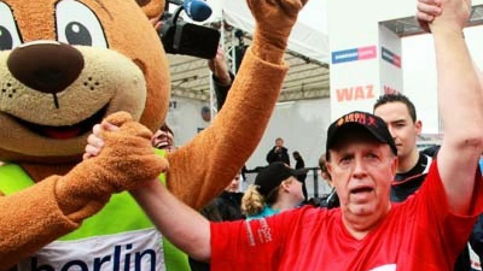 Schwergewicht Auf Achse Reiner Calmund Schafft Halbmarathon