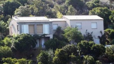 Familienmord auf Korsika - Junge vor Gericht