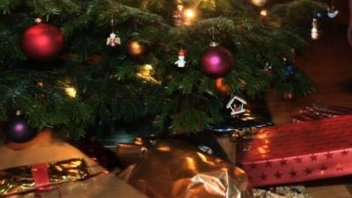 Weniger Geld für Weihnachtsgeschenke - Wirtschaft | Themenwelten ...