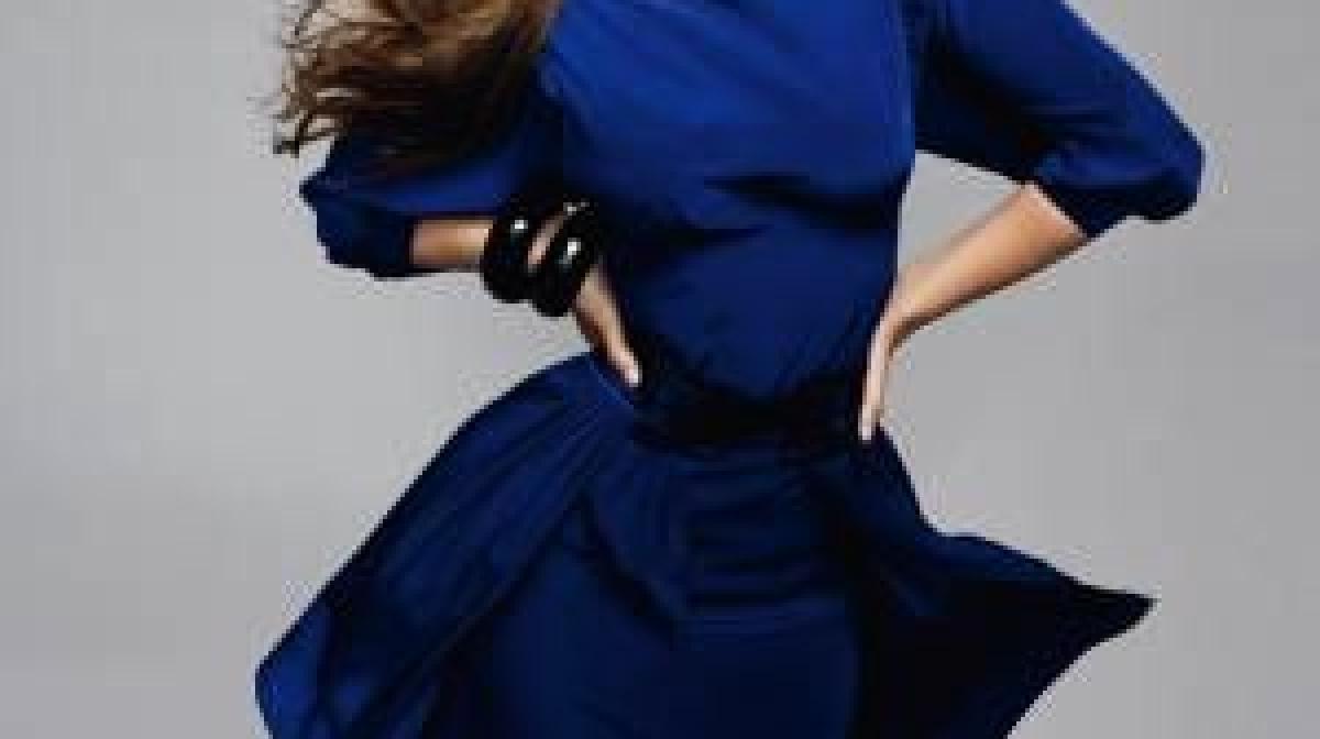 kurze kleider in blau zum jahreswechsel   augsburger allgemeine