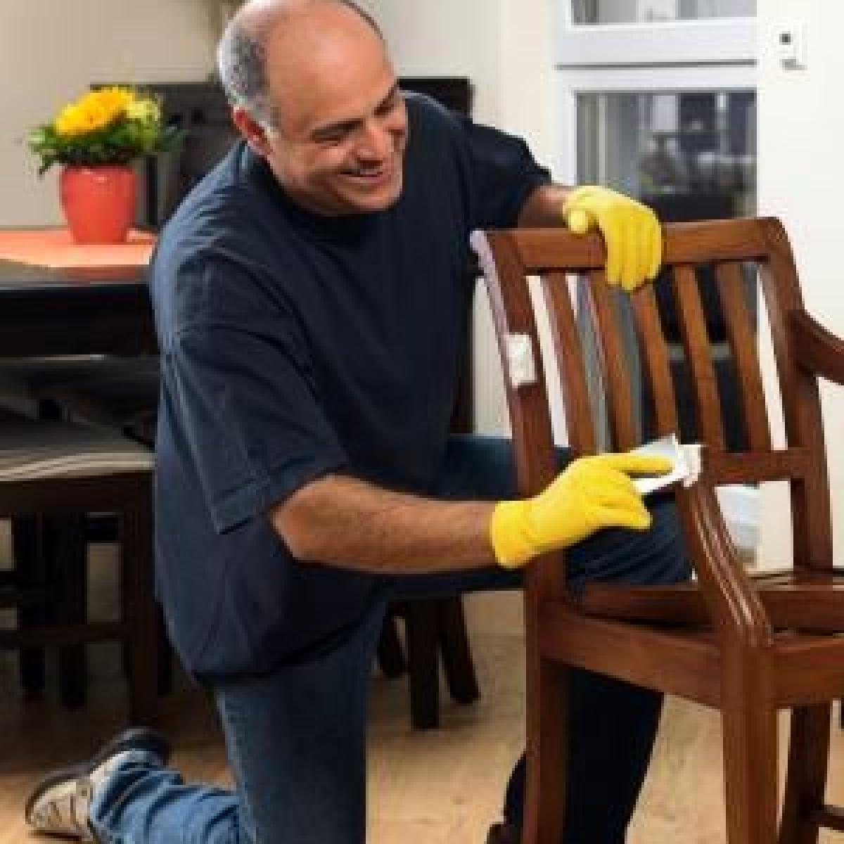 Altes Stück mit neuem Glanz: Möbel selber restaurieren - Bauen ...
