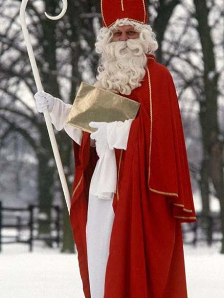 Nikolaustag Warum Der Nikolaus Geschenke In Die Stiefel Steckt