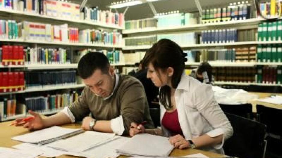 Bibliotheken flirt prüfungszeit [PUNIQRANDLINE-(au-dating-names.txt) 36
