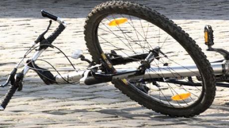 fahrradunfall-fahrrad-straße-boden