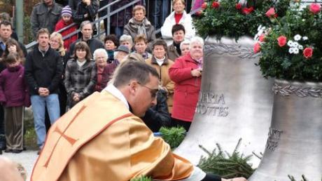 Sulzbach nimmt neue Glocken in Empfang
