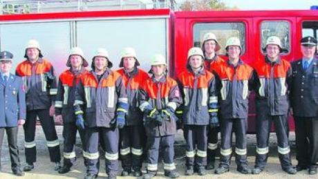 Die Absolventen des Leistungsabzeichens in Tagmersheim zusammen mit den Offiziellen. Foto: RoKuTaWa