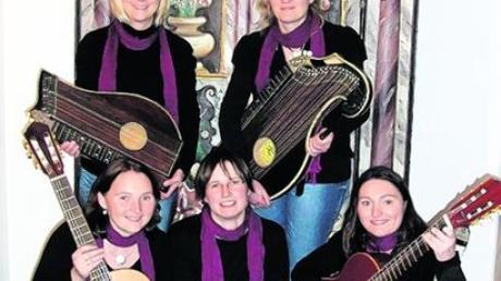 """Die Musikgruppe """"Fünf Jahressaiten"""" gestaltete den Empfang der Pfarrgemeinde Inchenhofen. Foto: Sandra Schweizer"""