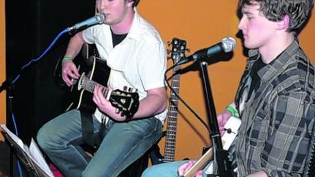Eigenkompositionen und Rockklassiker spielten die Stalking Monkeys.