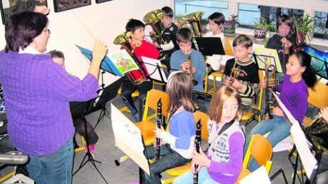 Die Bläserklasse der Grundschule Denklingen. Fotos: Marlies Vonroth