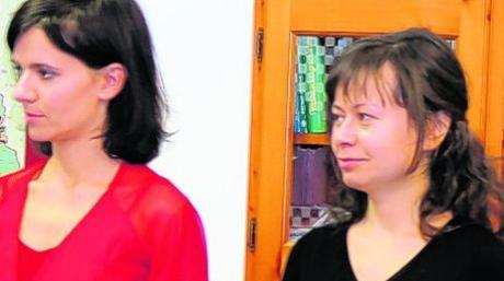 Die Sopranistin Rebecca Heudorfer (links) und die Pianistin Jewgenia Raisova begeisterten die Zuhörer im Diedorfer Seniorenzentrum mit klassische Melodien.