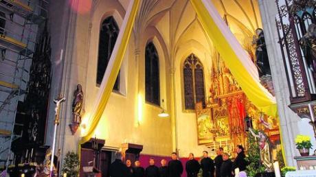 Vor zwei Jahren schon gastierten die Original Don Kosaken in der Aindlinger Pfarrkirche. Am 5. Januar kommen sie wieder, dieses Mal in das frisch renovierte Gotteshaus. Foto: Martin Golling