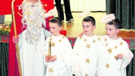 Nikolaus kommt mit Drillingen