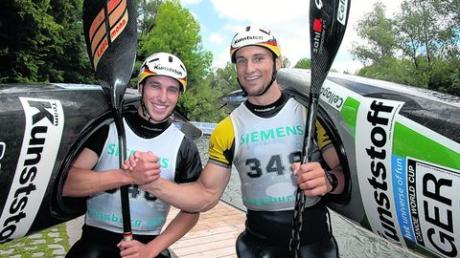 Die amtierenden Kanu-Weltmeister Alexander Grimm (rechts) und Florian Dörfler kommen für einen guten Zweck nach Obergriesbach. Foto: Archiv