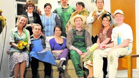 Ab 2. Januar geht's beim Wiesmayr rund: Der Theaterverein Denklingen führt die Komödie von Maria Schweiger auf. Foto: Thorsten Jordan