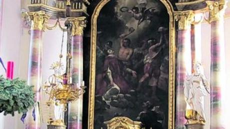 Das Altarbild zeigt die Steinigung des Stephanus, der als erster Märtyrer starb und deshalb auch Erzmärtyrer genannt wird. Foto: Katharina Wachinger