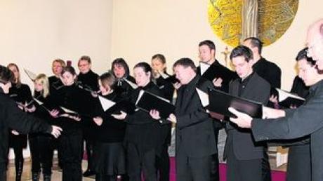 """Das """"Collegium Cantorum"""" in der Brandenburger Klosterkirche. Foto: ch"""