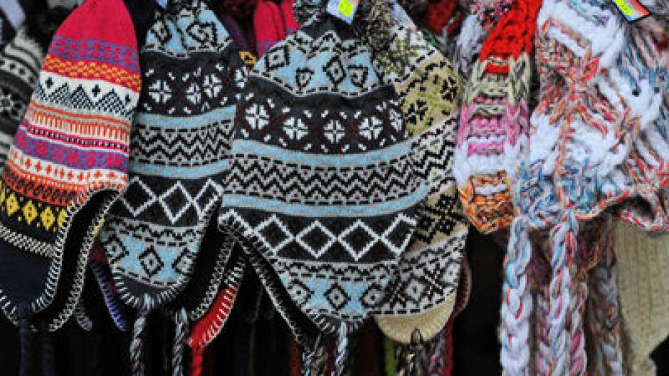 Handarbeit In Kempten Jugendliche Häkeln Wollmützen Für Eigene