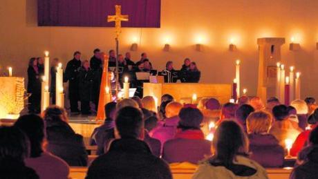 Musik und Gesang bei Kerzenschein