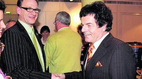 Zur Wiederwahl gratulierte Johannes Münch (links) Bürgermeister Ludwig Fink 2008. Jetzt ist die Atmosphäre im Stadtrat vergiftet. Archivfoto: Hochgemuth