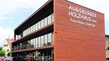 Holzbau Wittmann eröffnete in Hirblingen das Augsburger Passivhauszentrum. Archivfotos: Merk, Weizenegger