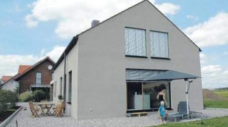 """Von außen schlicht und unauffällig, entfaltet das Haus im Inneren seine bemerkenswerten Qualitäten. Am Wochenende kann es im Rahmen der """"Architektouren"""" besichtigt werden."""